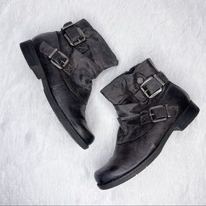 G.H. BASS / Zelda gray buckle ruched ankle boots